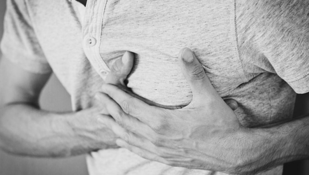 is-it-a heart-attack-or-a-panic-attack-here's-how-to-tell